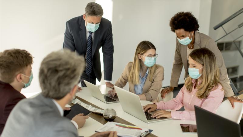 business-meeting-wearing-masks